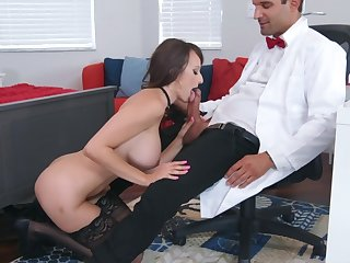 Prurient experience being done for busty Lexi Luna