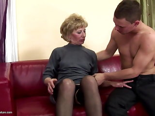 Muted grown-up mom ass fucked and pissed on