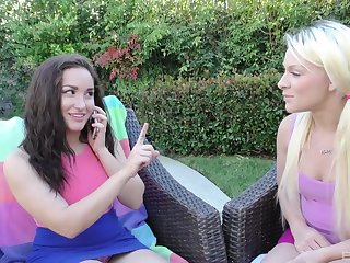 Hardcore outdoor threesome around Gabriella Paltrova and Jeneris Jade