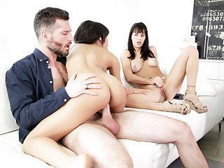 Wife watching husband having intercourse his bungle