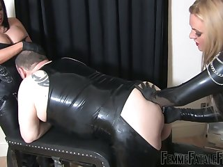 Two derisive bitches in latex fuck fat submissive dude in ass together with mouth