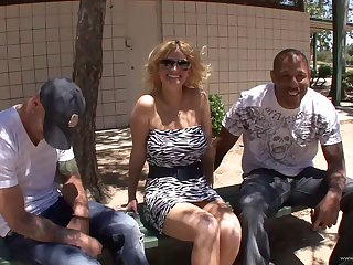 Kinky blonde in all directions shtick tits cougar getting smashed doggystyle