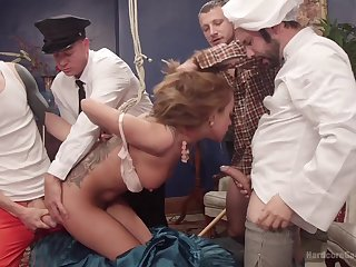 Gangbang with sex-crazed guys is something lose concentration Roxanne Rae loves
