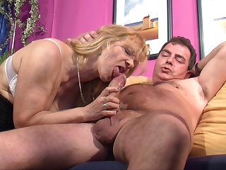 German mature wife invited over her friends on every side have a threesome