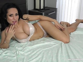 Sexy mature creampie